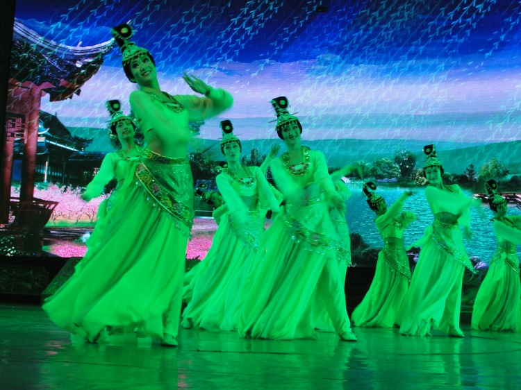 35-01 Dancers, Chorus Line