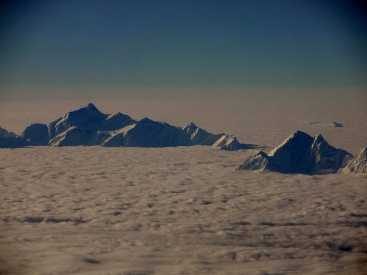 35-04 Lhasa, Flying In, Mountaintops above the Clouds (2)